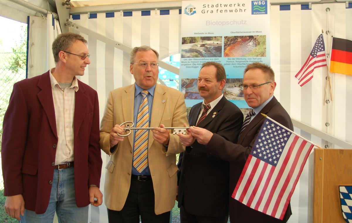 v.l.n.r: Wassermeister Günter Rauh, Bürgermeister Helmuth Wächter, Vorstand Helmut Amschler und Architekt Wolfgang Schultes